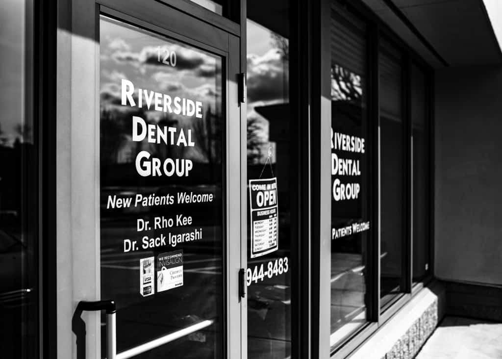 Riverside Dental Group Entrance